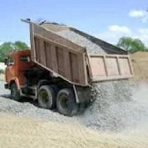 Доставка песка щебня чернозем глина грунт на подсыпку